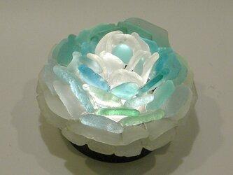 シーグラス 花びらのテーブルランプ-3の画像