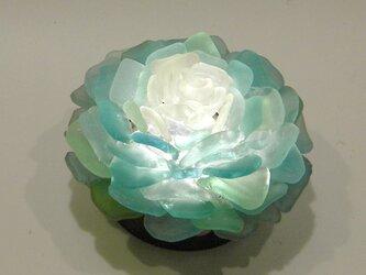 シーグラス 花びらのテーブルランプ-1の画像