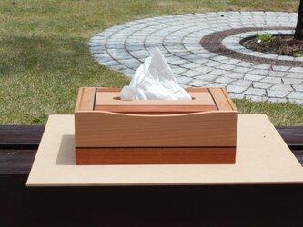 無垢材で作ったティッシュボックスの画像