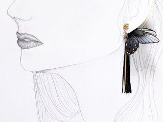 ヴィンテージビーズ 蝶のピアスの画像