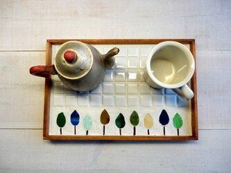 ステンドグラスとタイルのカフェトレイ 森の画像