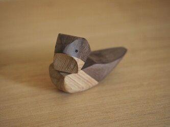 小鳥のバードコール〔灰色っぽい茶色〕の画像