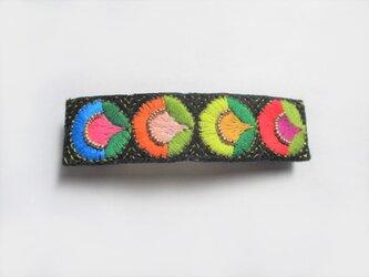 カラフルお花モチーフ刺繍のバレッタの画像