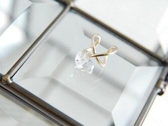 ハーキマーダイヤモンド水晶のイヤカフ 金色の画像