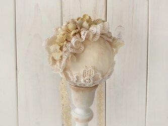 ドール用レースと染め花のヘッドドレス(M・アンティークホワイト)の画像