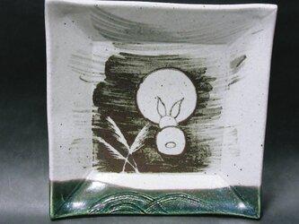 正方形陶板(うさぎ後ろ姿)の画像