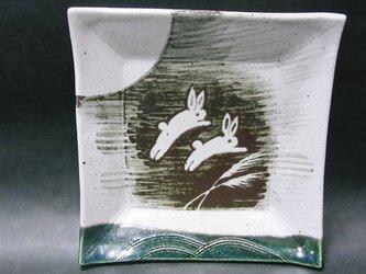 正方形陶板(うさぎ2匹)の画像
