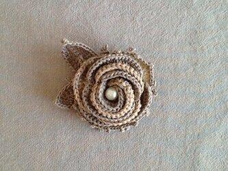 レース編み*バラのブローチの画像