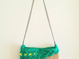 87.夏糸のなわ編みショルダーバッグ〈アシンメトリー/グリーン〉の画像