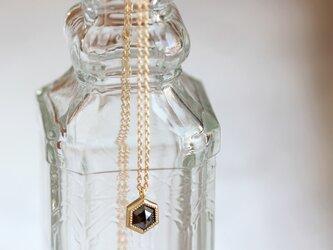 K18 ローズカット・ダイヤモンドネックレス 〈ヘキサゴン・ブラック〉の画像