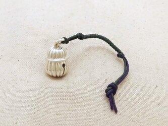 銀製の鈴 『 本坪型・ドレープ 』 (シルバー925) 根付・バッグチャームの画像
