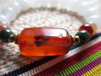 チベタンアンティーク玉髄と漢白玉のブレスレットの画像