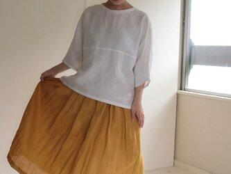 マスタード 麻のロングスカートの画像