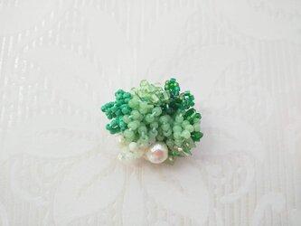 #73  刺繍ブローチ ミニ花束 若葉色の画像