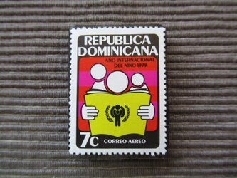 世界児童年 切手ブローチ 7380の画像