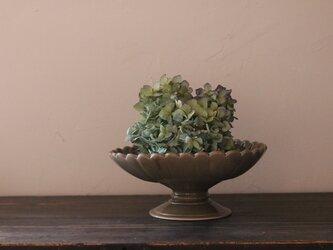 陶器のコンポート グレージュ 輪花の画像