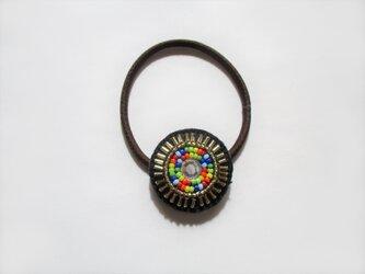 ビジュー&竹ビーズのヘアゴム(ブラック)の画像