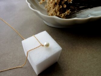 淡水パールのペンダントネックレス ■ 一粒の幸福 ■ ホワイト 5~5.5mmの画像