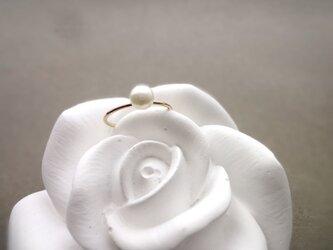 淡水パールの指輪 ■ 一粒の幸福 14KGF ■ ホワイト 5~5.5mmの画像