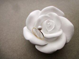 淡水パールの指輪 ■ 一粒の幸福 14KGF ■ ライトグレー 5~5.5mmの画像