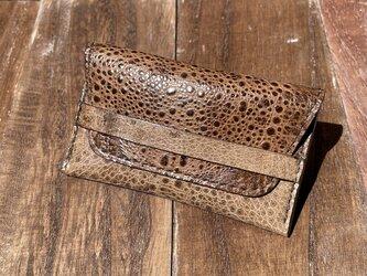 金運アップに!カエル革のベルト付き2層カードケースの画像