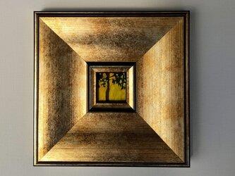 「背後から日光を浴びる木」と「木」原画・額装・壁掛け専用の画像