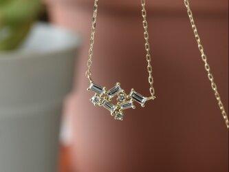 18K バゲットカット・天然ダイヤモンドネックレスの画像
