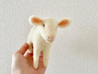 仔山羊の置物の画像