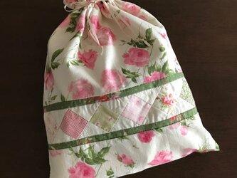 ピンクの薔薇のランジェリーケースの画像