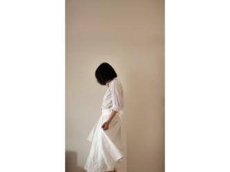たっぷりギャザースカート(綿麻・白)の画像