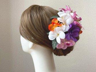 プルメリアとピンクのリリィのヘッドドレス リゾートウェディング 髪飾り 成人式 結婚式 ヘッドドレス ウェディングの画像