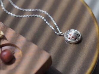 ガーネット てんとう虫 ネックレス  シルバー925の画像