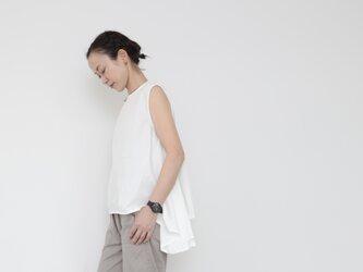 Tail sleeveless tops / whiteの画像