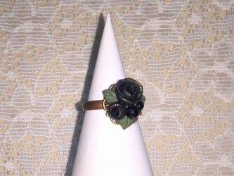オニキスと黒薔薇のリングの画像
