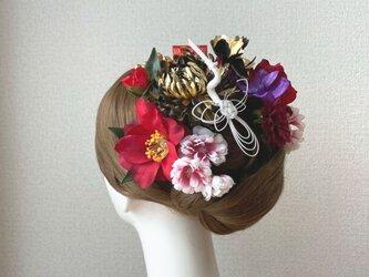 和装婚・成人式に♡ゴールドの菊と赤い椿のヘッドドレス 結婚式 成人式 着物髪飾り 和装ヘッドドレス 前撮り 赤 和装婚の画像