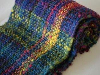 手紡ぎのマフラー(紫グラデーション)の画像