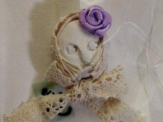 象書花妖精ドールフェイスブローチ 紫薔薇の画像