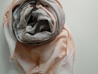 羽織ものにもなる大判です!ふんわり♪コットン100% ベンガラ染めストール 大判 べんがら泥染め  bの画像