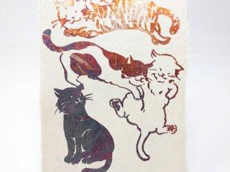 ギルディング和紙葉書 5匹の猫 赤混合箔の画像