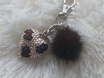 スワロのハートキーホルダーひょう柄ミンクボール付きの画像