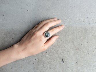 ふっくらラブラドライトのミルとりまきシルバーリングの画像