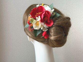 紅白の椿の和風ヘアクリップ  七五三 卒業袴 成人式 浴衣 髪飾りの画像