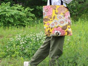 リメイク*レトロな花柄のトートバッグの画像