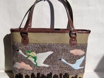 旅カエル トートバッグの画像