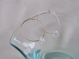 crack crystal quartz hoop:クラッククリスタルクオーツ 天然石フープピアス ゴールドフィールドの画像