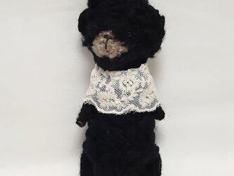 黒いクマさんの編みぐるみの画像