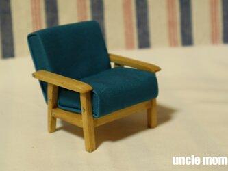 ドール用ソファ1人掛け(色:ブルー×オーク)202105 1/12ミニチュア家具の画像