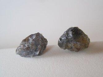タンザナイトの原石ピアス/tanzania 14kgfの画像