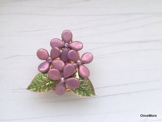 紫陽花の帯留め(バイオレット/ラスター)の画像