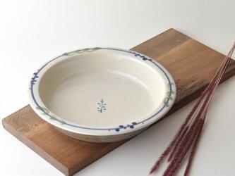 なずな草柄リム皿の画像